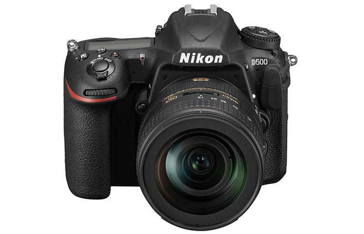 Nikon_D500_16_80E_fronttop